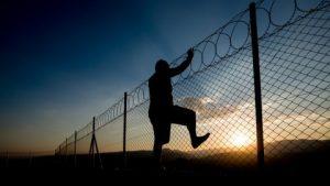 Rüyada babadan kaçarken yakalanmak