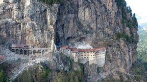 trabzon-sümela manastırı